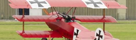 Fokker Triplan au démarrage moteur au Bourget...