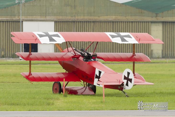 Fokker Triplan au démarrage moteur au Bourget