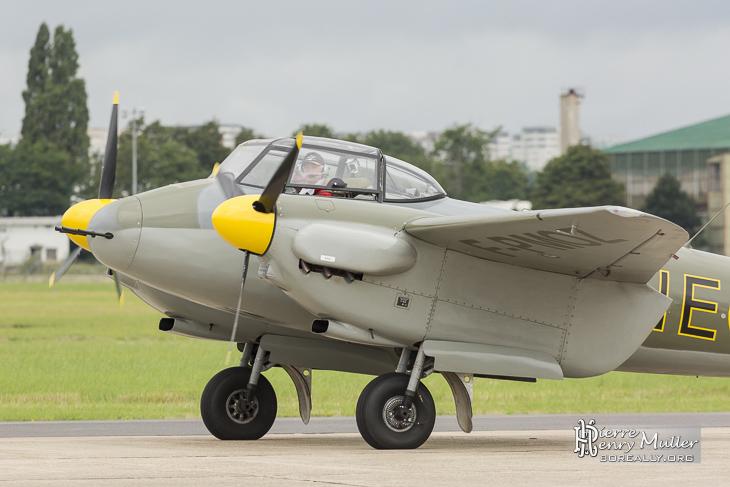 Mosquito .75 F-WMOZ avec Jack Krine aux commandes