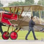 RAF SE5 poussé jusqu'à la piste en pelouse du Bourget