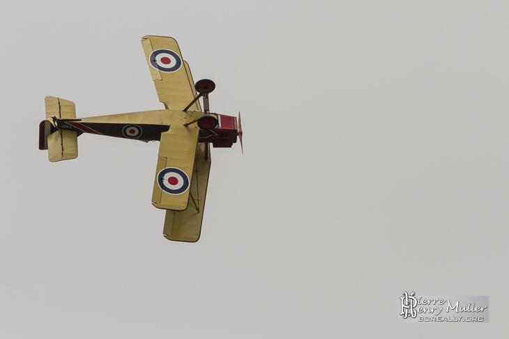 RAF SE5 en virage serré en simulation de combat aérien