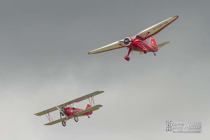 Stinson et Travel Air en formation au Bourget