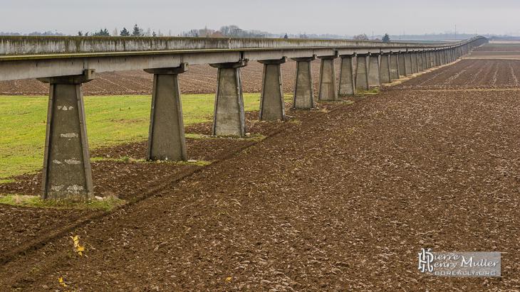 Ligne monorail de l'aérotrain Jean Bertin à Orléans
