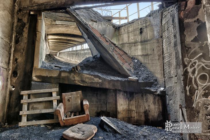 Début du pont transbordeur du lavoir à charbon de Blayes-les-Mines