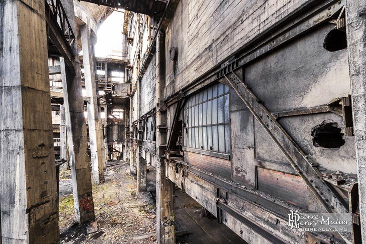 Façade extérieure du lavoir à charbon à Carmaux