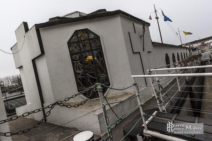 """Bateau chapelle """"Je Sers"""" l'aumônerie des bateliers à Conflans Sainte Honorine"""