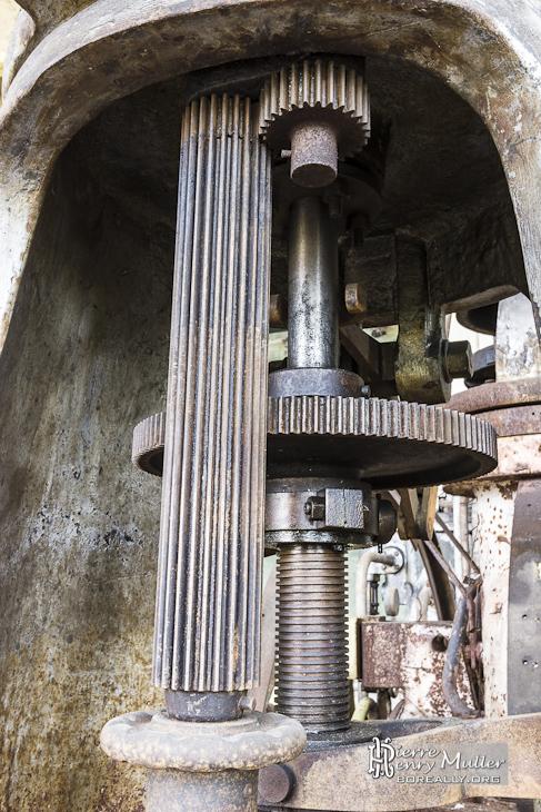 Engrenages d'un mécanisme d'une chaudière à vapeur Alstom