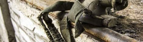 Les mineurs de charbon, appelés houilleurs, peuvent développer des troubles respiratoires dégénérant en maladies du à l'exposition aux poussières de charbon. On peut citer la pneumoco-niose du houilleur, de la bronchite chronique et de la broncho-pneumopathie chronique obstructive du mineur qui dépendent de la durée d'exposition aux poussières. Les masques respiratoires filtrants étaient une solution efficace permettant de considéra...