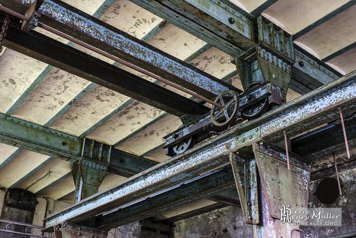 Hangar avec pont roulant au charbonnage du Hasard de Cheratte