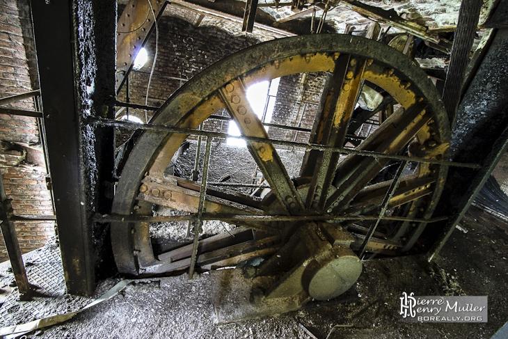 Molette du chevalement du puits 1 historique de Cheratte