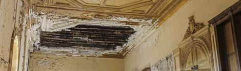 ...A différents endroits l'ensemble des étages se sont effondrés jusqu'au rez de chaussée du château....