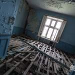 Chambre bleue abandonné dans le château Noisy Miranda