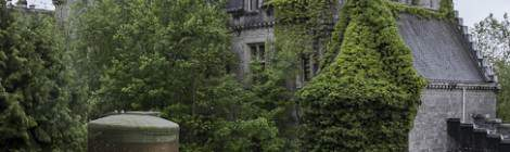 Le château de Noisy Miranda vu depuis les dépendances à l'écart du château....