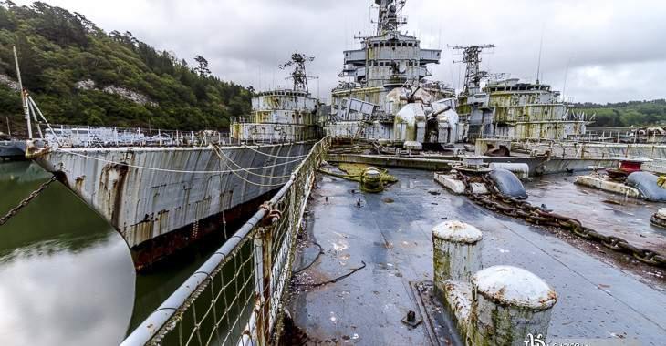 Cimetière marin de Landévennec et croiseur Colbert