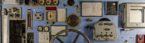 Poste de contrôle du moteur arrière du Colbert. La grande roue sert à régler la puissance de la vapeur en sortie des chaudières....