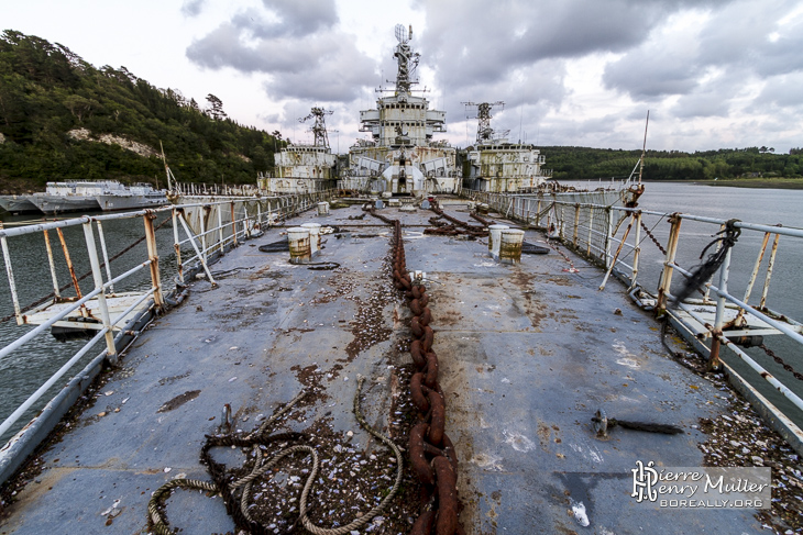 A la recherche du croiseur rilekoen Proue-croiseur-colbert-landevennec