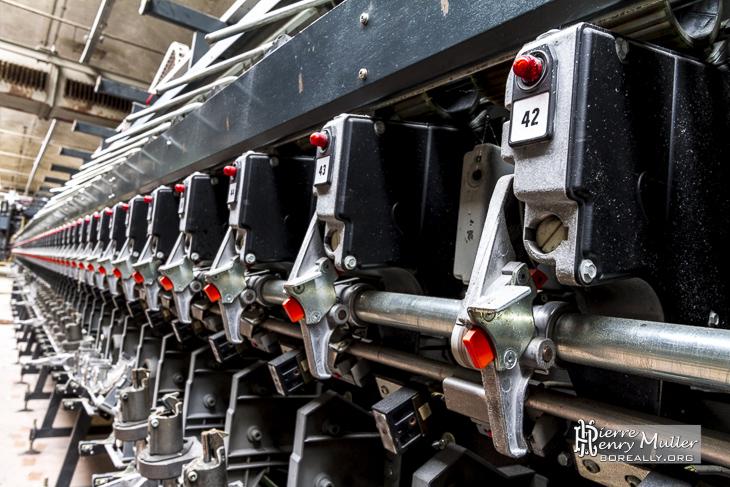 Machine à filer industrielle à la filature Badin