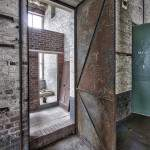 Porte métalliqueà l'usine Badin Sartel