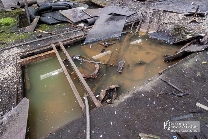 Pollution de l'eau par des détritus