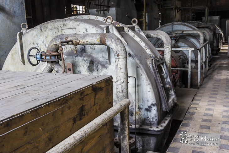 Générateurs de courant auxiliaire aux forges de Clabecq