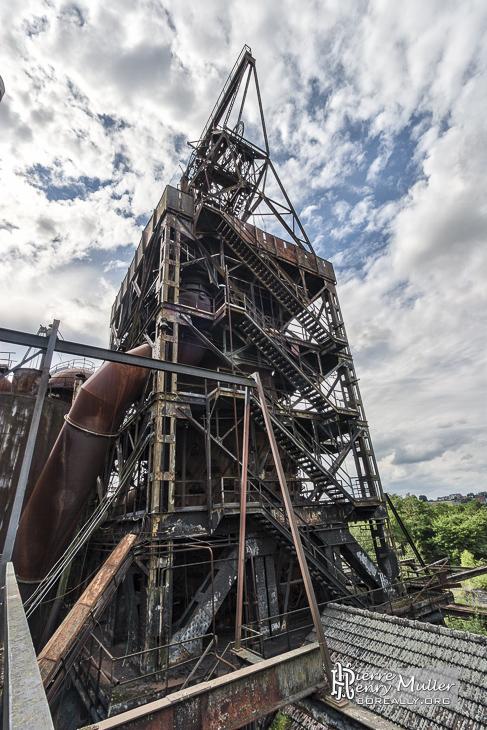 Structure aérienne à la forge de Clabecq