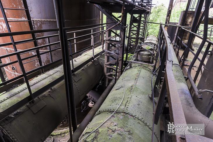Structure à base de canalisation