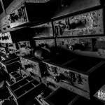 Tiroirs de rangement d'un atelier