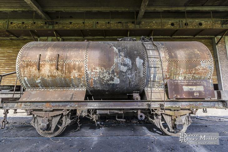 Wagon citerne abandonné