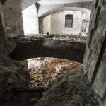Plancher effondré entre deux niveaux du casernement du Fort de Domont