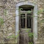 Vieille porte au Fort du Haut Buc