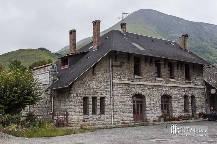 Ancienne gare de Bedous sur la ligne Pau-Canfranc
