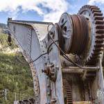 Grue ferrovière à la gare de Canfranc en HDR