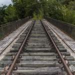 Pont de ligne de chemin de fer abandonné sur la ligne Pau-Canfranc