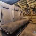 Sièges d'avions et morceau de carlingue servant à l'entraînement du GIGN