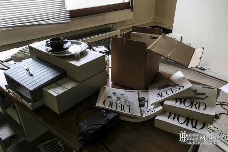 Imprimante et manuels Office, Word, Works dans l'imprimerie