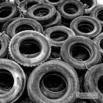 Décharge de pneus de camions