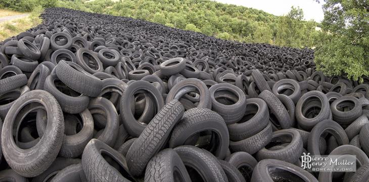 panoramique de la d charge de pneus de lachapelle auzac boreally. Black Bedroom Furniture Sets. Home Design Ideas