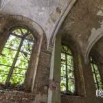 Fenêtre du cloitre du monastère abandonné de Mechelen