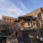Début de destruction des bâtiments de l'ancienne papeterie Darbay