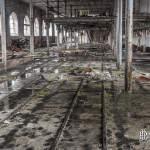 Hangar de stockage des berlines sur rails de la papeterie Darblay