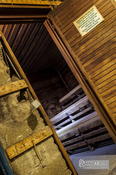 Ancien sauna de la piscine keller dans le quartier for Sauna piscine paris
