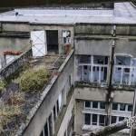 Bâtiment administratif et détente vu du toit du sanatorium du Vexin