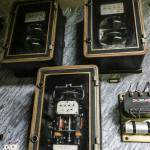 Vue d'ensemble du vieux panneau électrique du sanatorium du Vexin