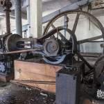 Machine à vapeur et volant de transmission du mouvement circulaire