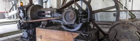 ...Machine à vapeur fournissant l'énergie nécessaire pour les machines de la Brasserie Stella Artois de Leuven grâce au volant de transmission par courroie....