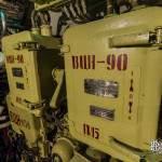 Coffrets électriques étanches dans le sous-marin