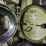 Ecoutille étanche entre deux zones du sous-marin