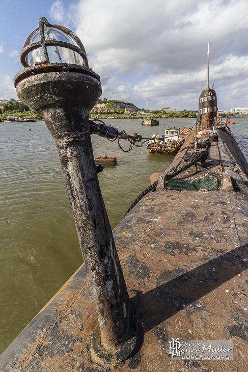Feu de navigation avant blanc du sous-marin russe