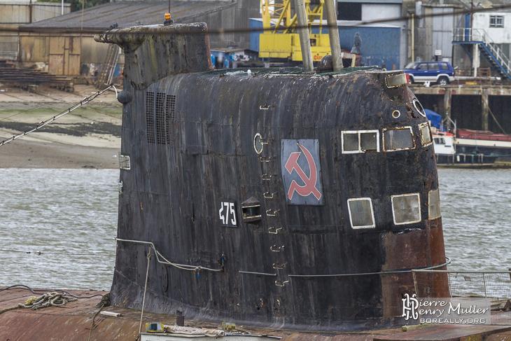 Massif à fenêtre du sous marin russe Black Widow