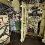 Porte écoutille menant au panneau de contrôle des moteurs du sous-marin
